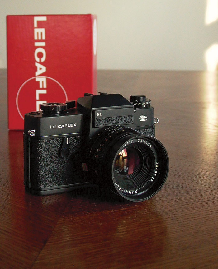 My Leitz Leicaflex SL in black, here with 50 mm Summicron-R f/2.0 from Canada.