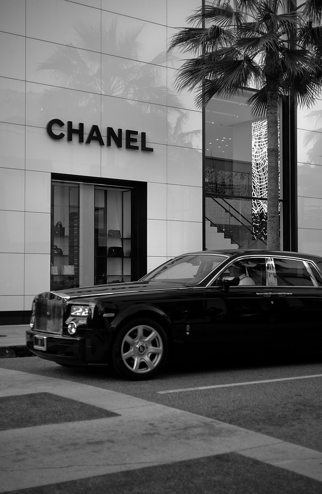 Chanel store at Rodeo Drive in Beverly Hills. Leica M9 with Leica 50mm Summicron-M f/2.0