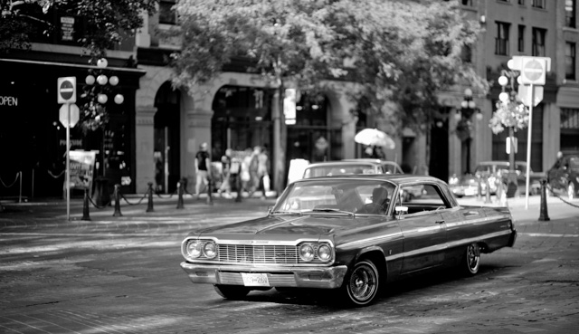 Promenade of the classic car on Water Street in Vancouver. Leica M240 with Leica 75mm Summilux-M f/1.4. © 2016 Thorsten Overgaard.