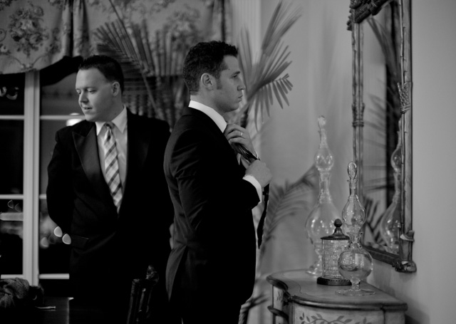 The groomsmen getting ready ... Leica M 240 with Leica 50mm Noctilux-M ASPH f/0.95. © 2016 Thorsten Overgaard.