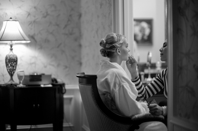 Joy did makeup on the bride and all the girls. Leica M 240 with Leica 50mm Noctilux-M ASPH f/0.95. © 2016 Thorsten Overgaard.