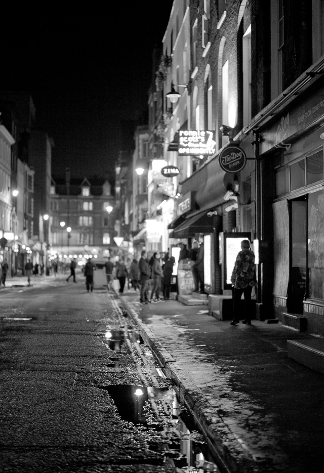 London night. Leica M-D 262 with Leica 50mm Summilux-M ASPH f/1.4 BC. © 2016 Thorsten Overgaard.