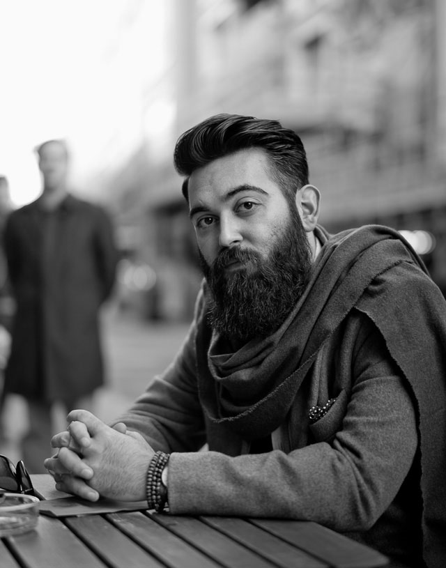 Street portrait in London, Mr. Nazmi Simsek. Leica M-D 262 with Leica 50mm Noctilux-M ASPH f/0.95.  © 2016 Thorsten Overgaard.