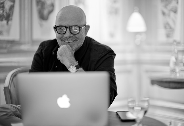 You may know Evris Papanikolas by name, but here he is, editing his pictures. Leica M-D 262 with Leica 50mm Noctilux-M ASPH f/0.95. © 2016 Thorsten Overgaard.