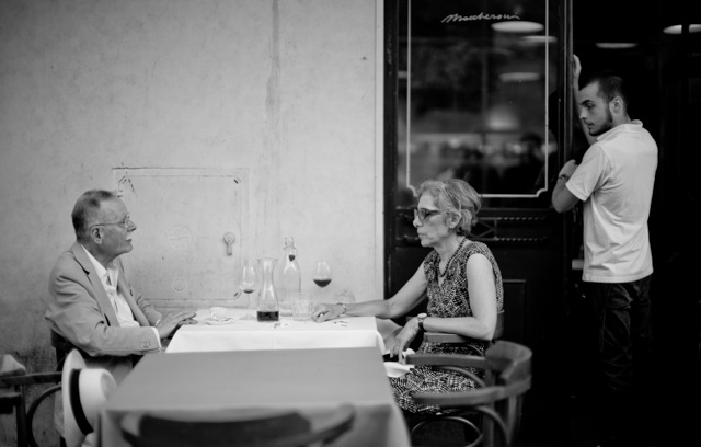 Lunch in Rome. Leica M 246 withLeica 50mm Noctilux-M ASPH f/0.95. © 2016 Thorsten Overgaard.