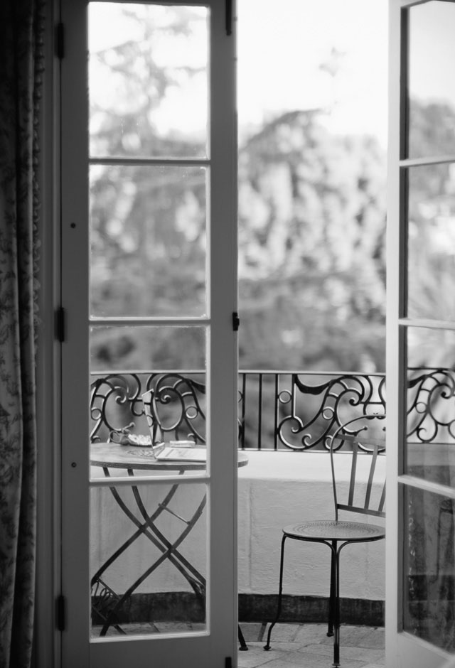 Working on the balcony. Leica CL with Leica 50mm Noctilux-M ASPH f/0.95. © 2018 Thorsten von Overgaard.