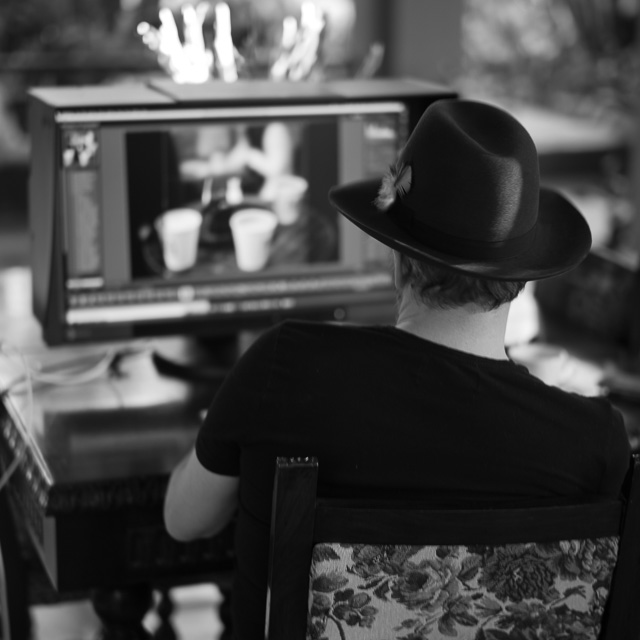 Thorsten editing on the Eizo screen in Havana. © 2018 Joy Villa.
