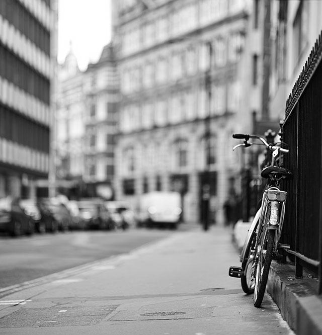My daily bicycle photo, in London. Leica M10 with Leica 75mm Noctilux-M ASPH f/1.25. © 2018 Thorsten von Overgaard.