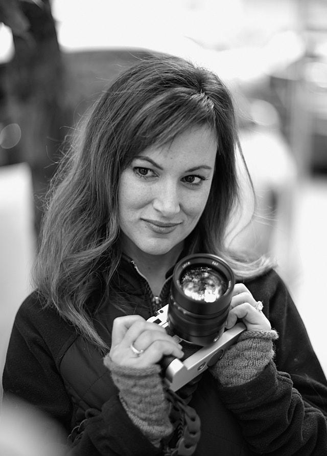 Alicia Thacker with her new-found love: A 75mm Noctilux lens. Leica M10-P with Leica 75mm Summilux-M f/1.4. © Thorsten von Overgaard.