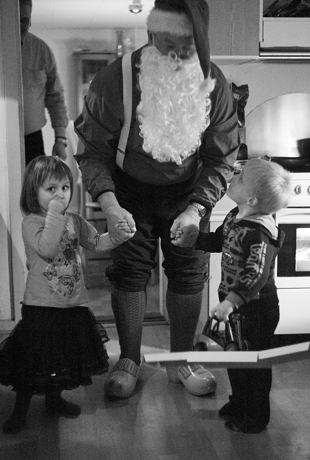 Danish dad dressed up as Santa Claus in 2009, pretending to have just arrived from Lapland to deliver the presents. Leica M9. © Thorsten Overgaard.