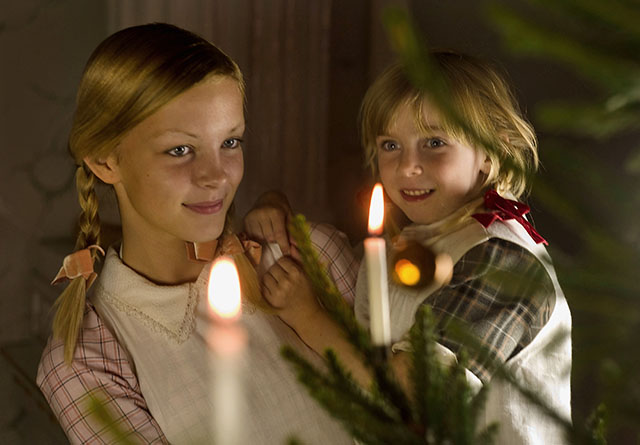 On Christmas eve, the 24th of December, most Europeans light up real candlelights on the tree and form a circle around the tree; then they walk hand-in-hand around the tree and sing Christmas songs.