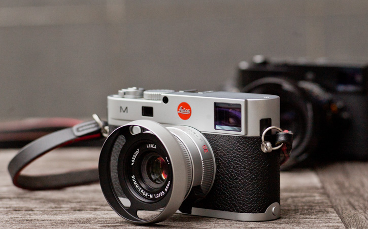 The Leica 35mm Summicropn-M ASPH f/2.0 Version II (or Version VI) in silver 2016-model version (Model 11674). Comes with square hood from Leica (model 12473; here with the ventilated hood designed by Overgaard).