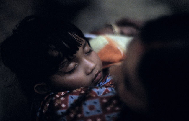 Sleeping child, Kolkata, India February 2005. Leica 80mm Summilux-R f1.4 @f1.4, Leica SLmot, 100 ISO Astia runs as 800 ISO, Imacon/Hasselblad scan. © 2005-2016 Thorsten Overgaard.