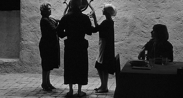 "Playing with silhouettes. ""8½"" by Federico Fellini (1963)."