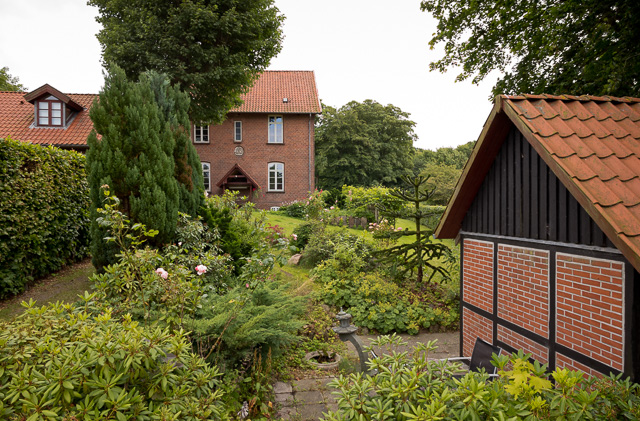 The garden in Denmark. Leica M10 with Leica 21mm Summilux-M ASPH f/1.4. © 2017 Thorsten Overgaard.