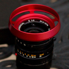 E46 RED ventilated shade on 35mm Summilux