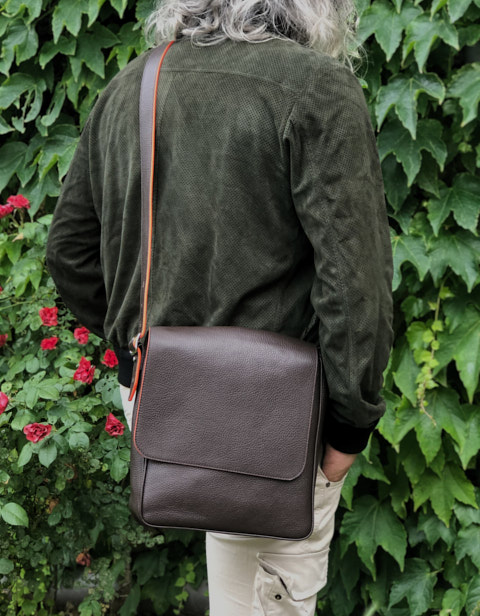 The Von Mini Messenger is also available in Brown calfskin.