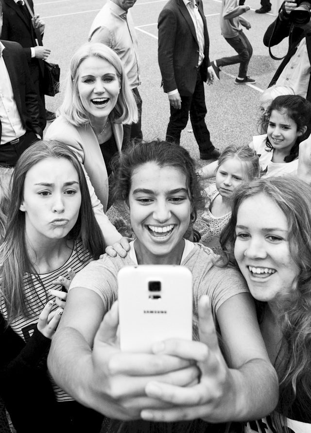 Denmark, September 2014. The DAnish Prime Minister (upper left corner) does a selfie with school kids in Denmark. Leica M 240 with Leica 21mm Summilux-M ASPH f/1.4. © 2014-2016 Thorsten Overgaard.