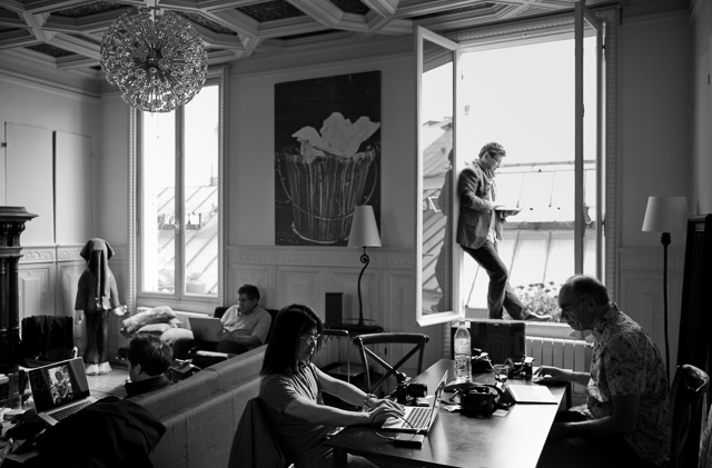 Editing in the apartment in center of Paris. Leica M 240 with Leica 28mm Summilux-M ASPH f/1.4. © 2016 Thorsten Overgaard.