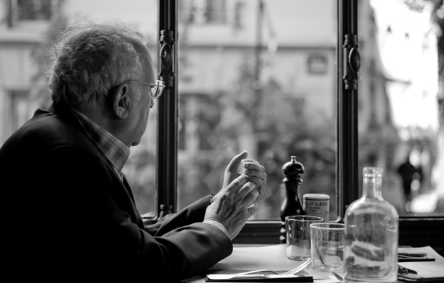Cafe in Paris. Leica M-D 262 with Leica 50mm APO-Summicron-M ASPH f/2.0. © 2016 Thorsten Overgaard.