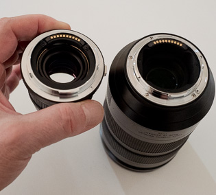 Leica L-mount lenses with contact strip