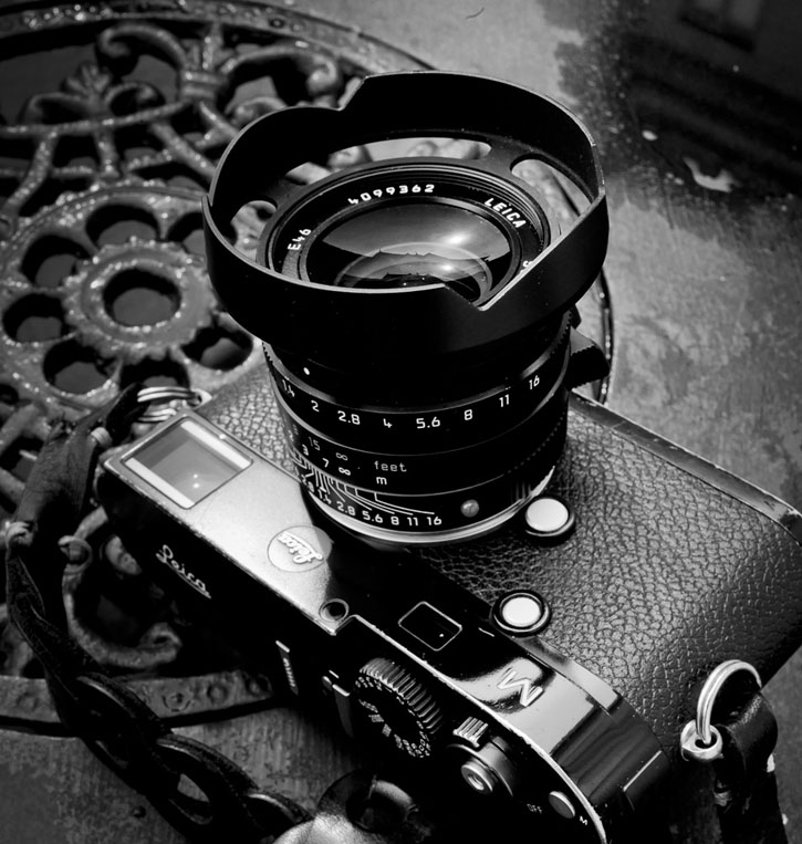 Leica 35mm Summilux-M ASPH f/1.4 FLE Ventilated Lens Shade
