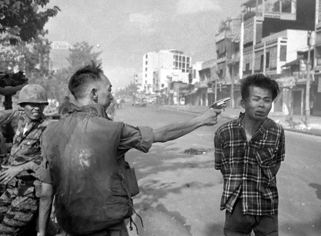 Nguyen Ngoc Loan executing Nguyen Vaan Lem by Eddie Adams (1968).