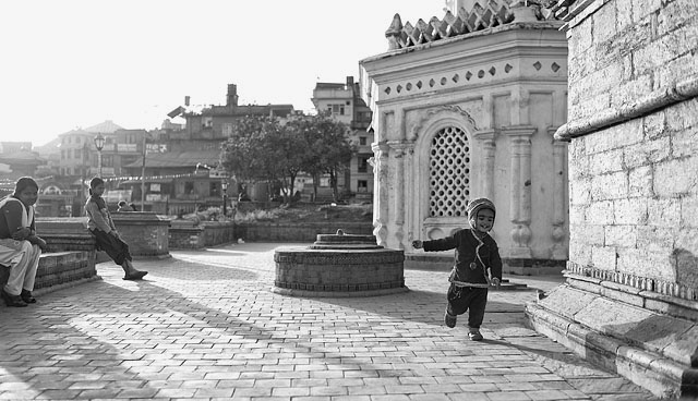 Pashupatinath Temple in Kathmandou, Nepal. Leica M 240 with Leica 35mm Summilux-M ASPH f/1.4. © 2012 - 2016 Thorsten Overgaard.