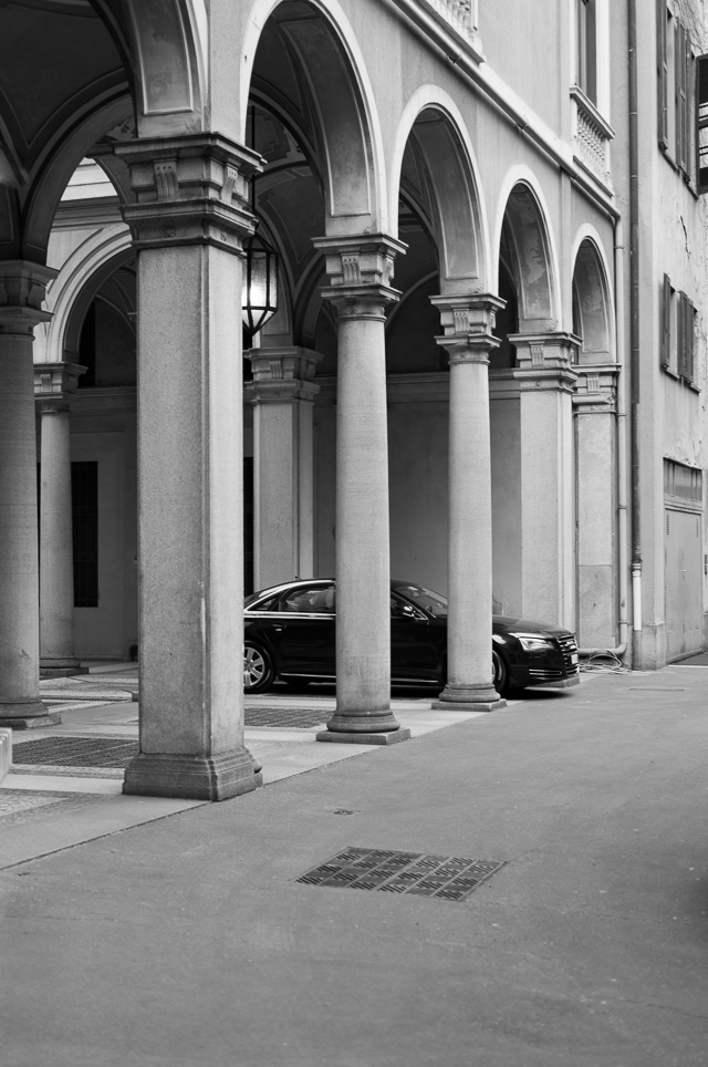 Private parking in Via Borgonuovo in Milano. Leica TL2 with Leica 35mm Summilux-TL ASPH f/1.4. © 2017 Thorsten Overgaard.