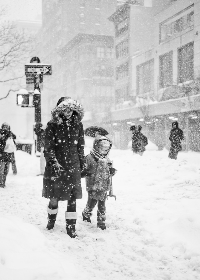 "Mother and son exploring a New York covered in show after the ""Snowzilla"" in 2016. Leica SL with Leica 50mm APO-Summicron-M ASPH f/2.0. © 2016-2017 Thorsten von Overgaard."