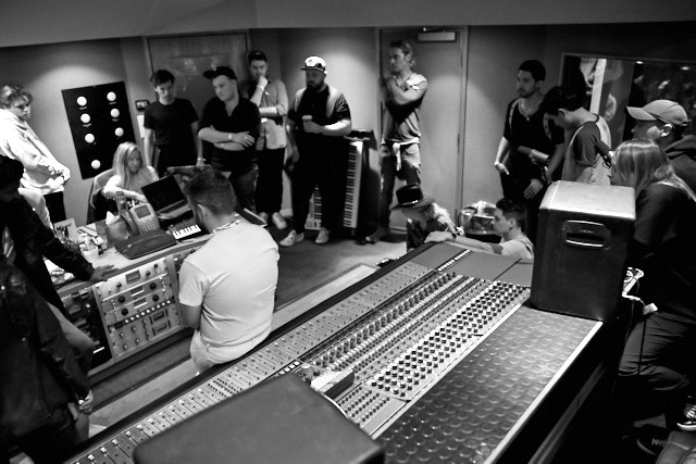 Songwriting session in Studio B at Capitol Studios in Hollywood. Leica M10-P with Leica 28mm Summilux-M ASPH f/1.4. © Thorsten Overgaard.