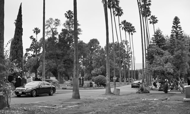The Hollywood Forever graveyears is acutally a drive-in graveyard. I didn't think much of it to begin with, but I don't recall having see any other graveyeards where you can drive up to the grave and park the car next to it. Leica M10-P and Leica 50mm Noctilux-M ASPH f/0.95 FLE. © Thorsten Overgaard.