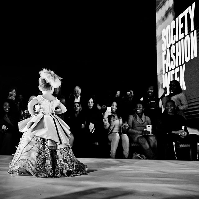 A very young model on the catwalk of the LA FashioN Week 2018. Leica M10 with Leica 28mm Summilux-M ASPH f/1.4 BC. © 2018 Thorsten von Overgaard.