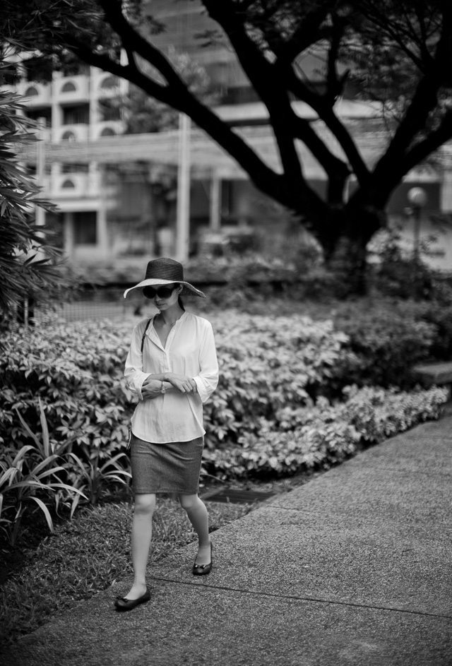 Early walk in the park in Manila. Leica M 240 with Leica 50mm Noctilux-M ASPH f/0.95. © 2015-2016 Thorsten Overgaard.