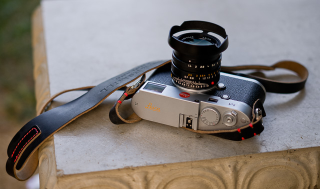 HAWKESMILL brown leather camera strap on Leica M 240