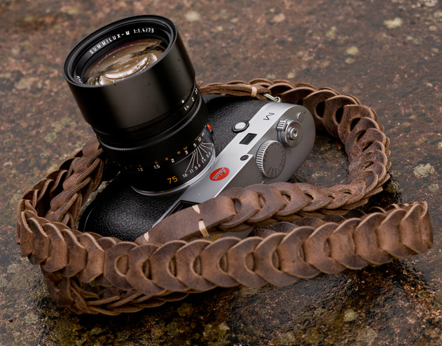 Leica 75mm Summilux-M f/1.4 III on Leica M240. Camera strap from Rock'n'Roll Straps. © Thorsten Overgaard.