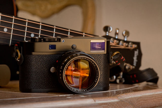 The Leica 50mm Noctilux-M ASPH f/1.2 on the Leica M-D 262. © 2016 Thorsten Overgaard. Photographed with Leica M 240 with Leica Cine 100mm Summicron-C f/2.0 and Macrolux adapter ... and a Taylor Baby guitar in the background.