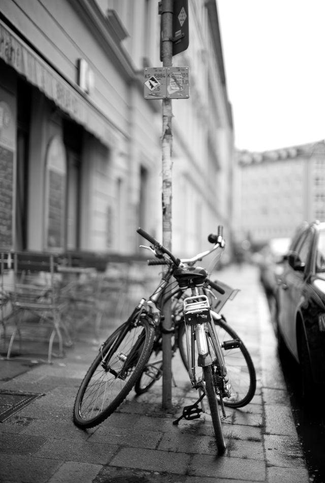 Bicycle kiss Leica M 246 sample photos
