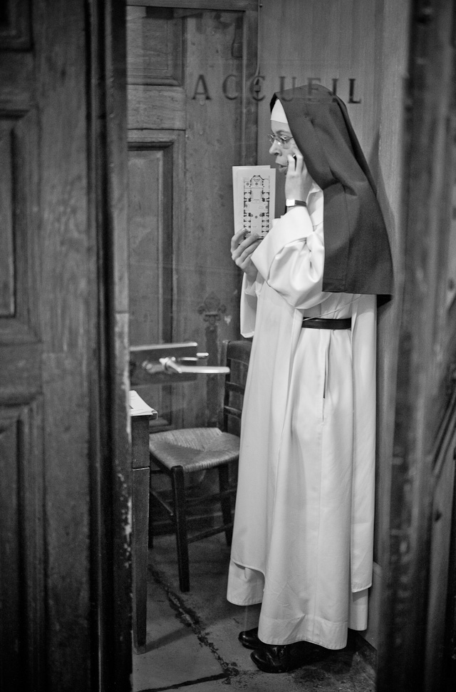 """1-800-CONFESSIONS"" at Notre Dame de Victory in Paris, May 2015. Leica M 246 with Leica 50mm APO-Summicron-M ASPH f/2.0."