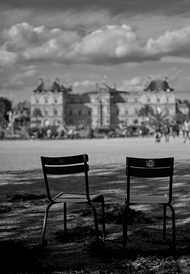 Palais du Luxembourg on Paris. Leica M10-P with Leica 50mm APO-Summicron-M ASPH f/2.0 LHSA. © Thorsten Overgaard.