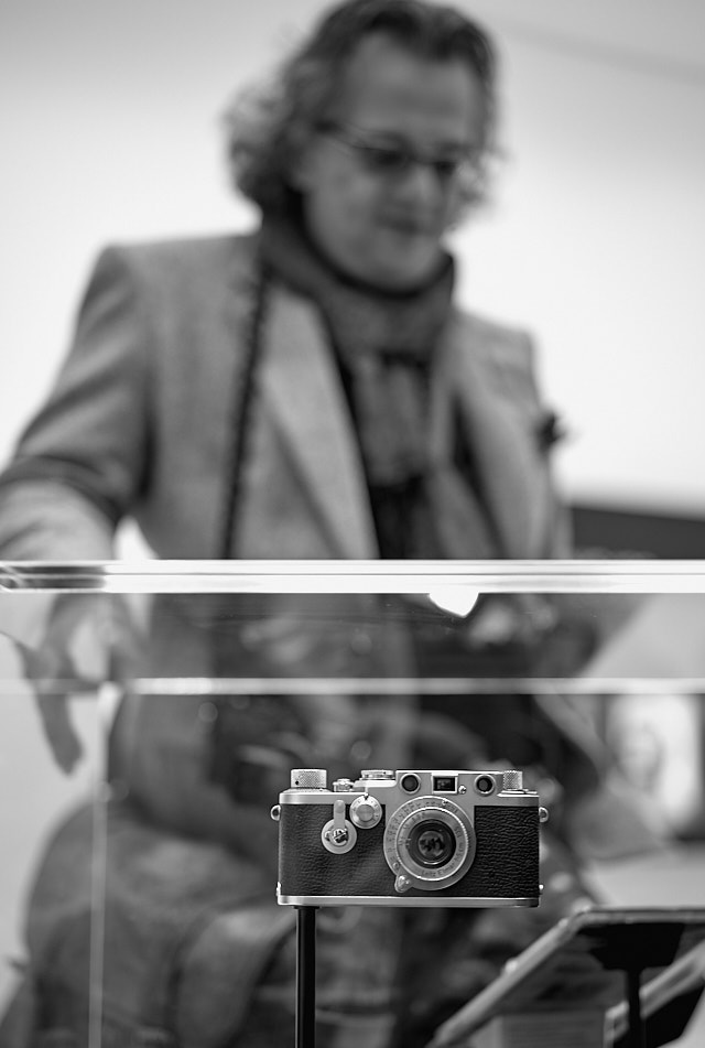 Amitava Chatterjee from Washington DC admirinng some of the old Leica cameras. Leica M10-P with Leica 50mm APO-Summicronn-M ASPH f/2.0 LHSA. © Thorsten Overgaard.