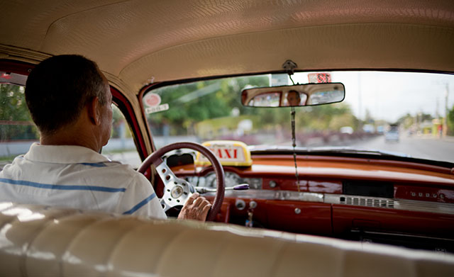 Taxi ride in Cuba. Expect the trip from the airport to be 20 - 40 CBC (the official rate is 20). Leica M10 witrh Leica 28mm Summilux-M ASPH f/1.4. © 2017 Thorsten Overgaard.