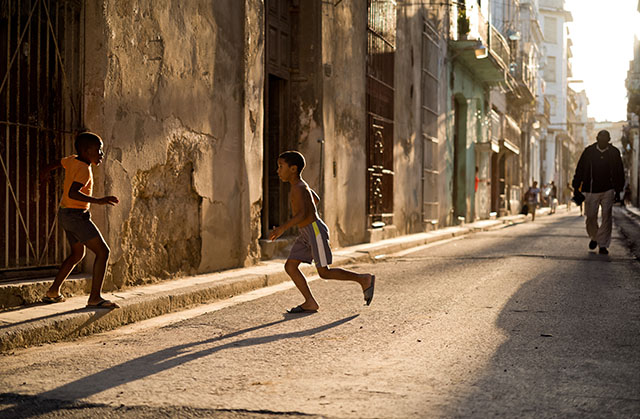 Old Havana, Cuba. Leica M10 with Leica 50mm Noctilux-M ASPH f/0.95 FLE. © 2017 Thorsten Overgaard.
