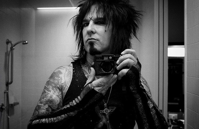 "American musician of Mötley Crüe, radio host and long-time Leica lover, Nikki Sixx with ""The SEXY BEAST"", his Leica M9. You can find his photo blog ""Some Call me Sizxx"" here"