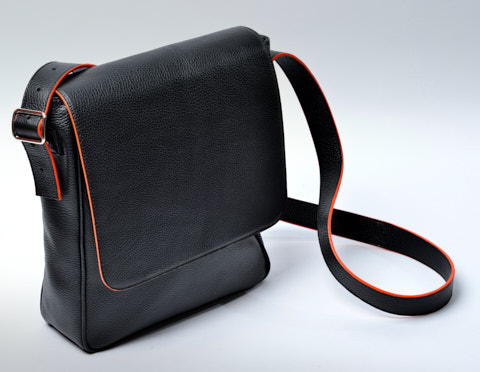 The Von Mini Messenger in black calfskin.