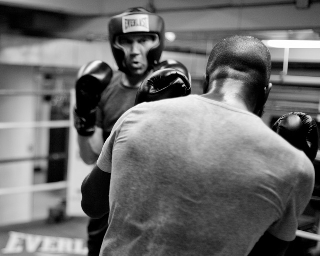 New York stockbrokers, office clearks, store managers, Uber drivers and others punching each other in the Mendez Boxing Club before heading to another da at work. Leica M 240 with Leica 35mm Summilux-M AA ASPHERICAL f/1.4. © 2016-2017 Thorsten Overgaard.