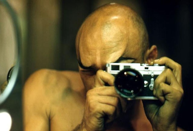 Yul Brynner self portrait with his Leica M3
