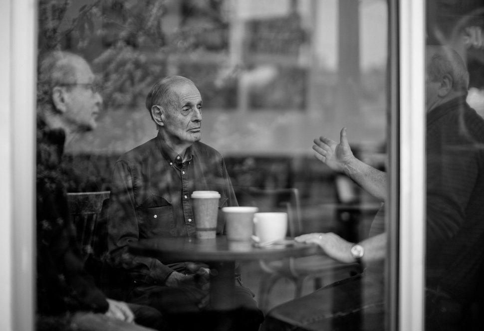 Cafe talk in San Francisco. Leica M 240 with Leica 50mm Noctilux-M ASPH f/0.95