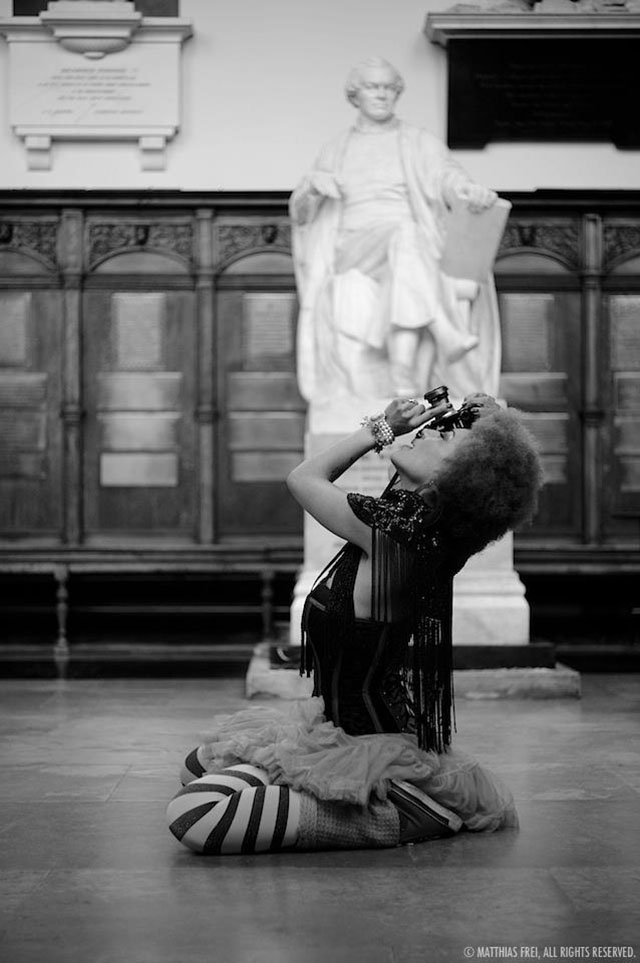 Rock'n'roll and floored with enthusiasm: Photographing the holy halls of Cambridge. Photo by Matthias Frei. Leica M Monochrom with Leica 50mm APO-Summicron-M ASPH f/2.0.