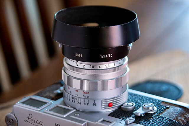 The Leica 50mm Summilux-M ASPH f/1.4 Version II (1962) with ventilated hood (order no 12586)